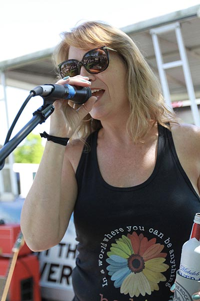 Debbie Lynch - vocals